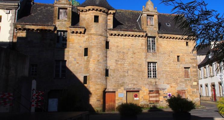 Landerneau programme immobilier à rénover « Maison Duthoya - 3 Rue du commerce » en Monument Historique